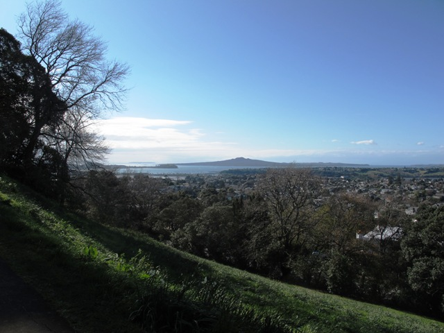 walks in auckland coast to coast