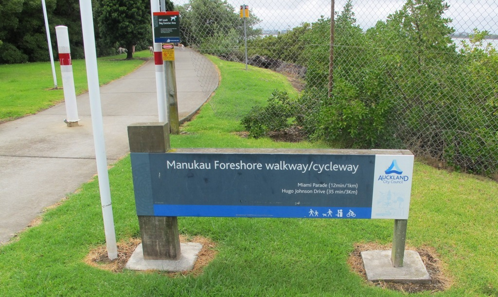 Manukau Foreshore walkway/cycleway © 2011-2013 Unleashed Ventures Limited All Rights Reserved