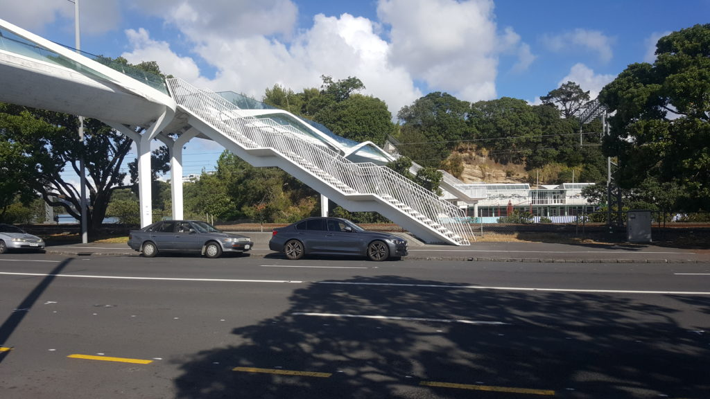 Modern Pedestrian Bridge links the Parnell Baths to Tamaki Drive