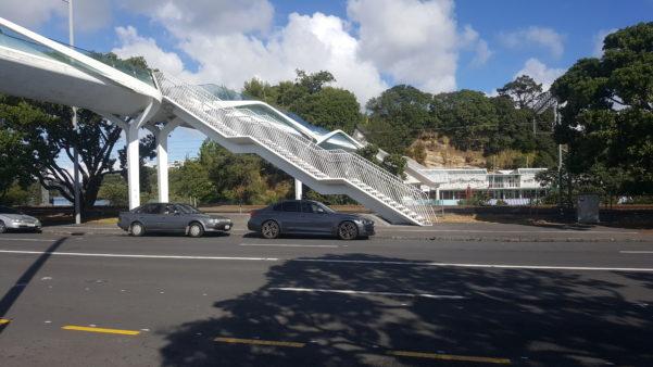 Modern Pedestrian Bridge links the Parnell Baths to Tamaki Drive