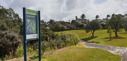 Caribbean Drive bush track entrance